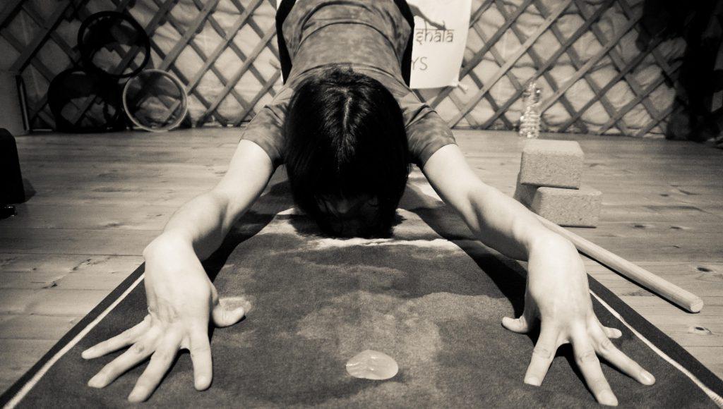 Yoga corso avanzato Centro Ays Fermo
