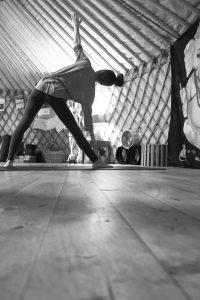 Allineamento schiena yoga centro ays Fermo